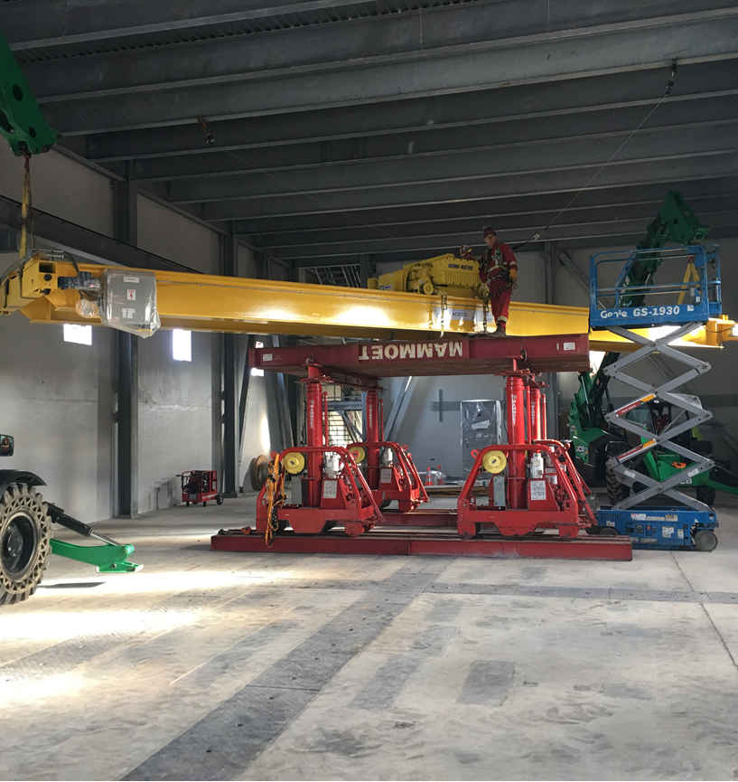 44t gantry with turntable top to hoist rotate and palce new overhead crane on rails with limited overhead clearance.png