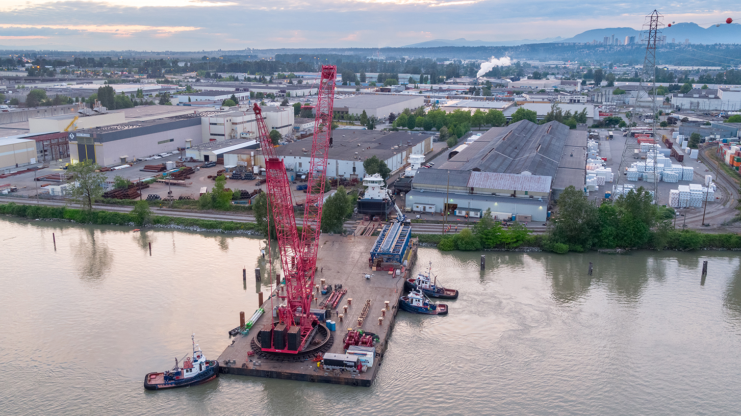 Mammoet moves 430-ton tugboats for a safe and successful launch