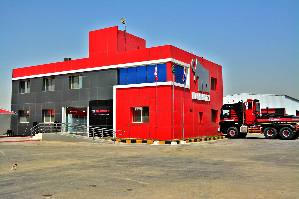 Mammoet strengthens presence with a new facility in Saudi Arabia